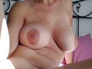 Brunette Lesbian Mom video: Masturbation