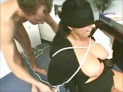 Femme Mûre Chaude Aux Gros Seins