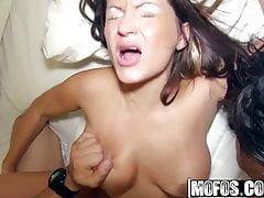 Skylar Nicole i Leona Bella i Vanessa Luna - Sexy Swingi