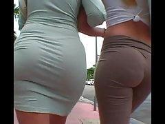 2 Blonde PAWG è in strada