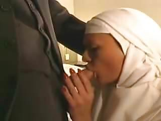 Fingering Big Cock Big Tits vid: nun blow job