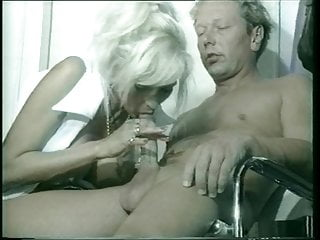 Vintage Blonde Blowjob video: Sandra Foxx performing blowjob