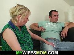 Cachonda esposa esposa lo seduce