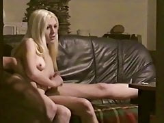 Hot Blonde Whore daje ręczną robotę i blo