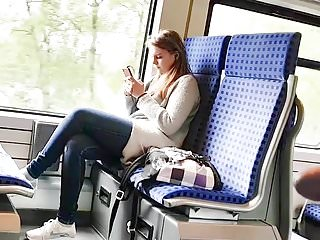 Brunettes Hidden Cams Voyeur video: IN THE TRAIN