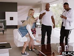BLACKED Two Curvy College Students pragną BBC