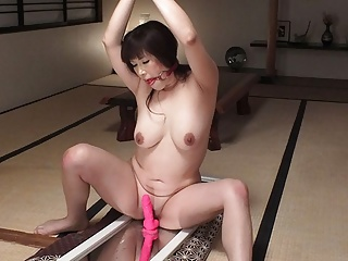 Japanese Teen Brunette video: Reiko Shimura is a horny plumper who got tied up