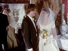 scena di matrimonio vintage con la mano guantata