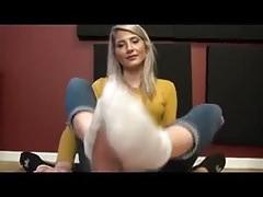 Maia Sockjob Masturbazione con i piedi