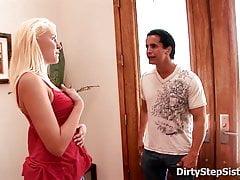 Sexy Stiefschwester Kati Summers Sex mit Bossy Stepbro