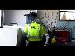 Hotwife scopa la gestione dei rifiuti BBC