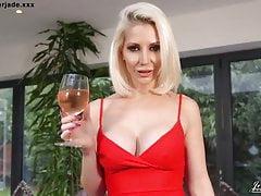 Sexy Babe Jennifer Jade uwodzi najlepszego przyjaciela chłopaka Taboo