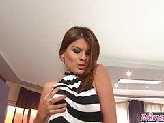 Euro Foxes - Jasmine Rouge - Travailler le clitoris - Twistys