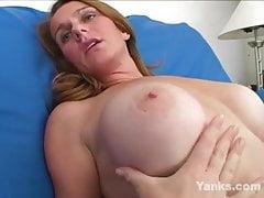 Yanks MILF Skye Russell Orgasms