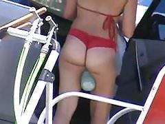Bikini ASS in autolavaggio 1