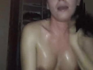 Amateur Blowjob porno: sweaty girl finishing