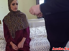 Hijab muslim babe scopata per denaro contante