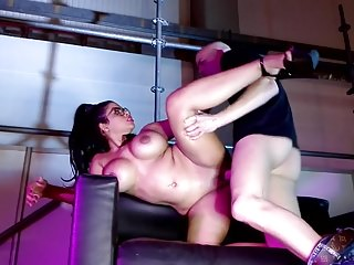 Xxx hot naked move mom and son sex video