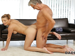 Mature European Cunnilingus video: DADDY4K.Daddy has a lot of money and is very gentle with tee