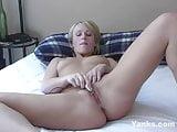 Yanks Sultry Sharon Masturbates