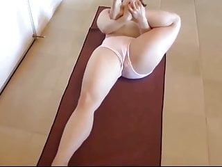 Curvy MILF Workout