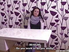 CZasting - Ładna czeska brunetka w castingu