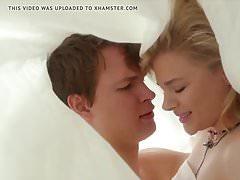 Chloe Moretz - cena de sexo em novo filme