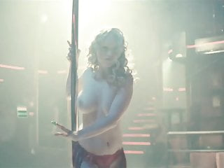 Dominika Zelenikova  Nude in Little Feather (2016)