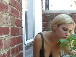 Public Nudity Tits Voyeur video: Downblouse