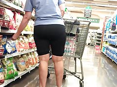 Old Cell Phone Voyeur II (PAWG Mom At Winn-Dixie)