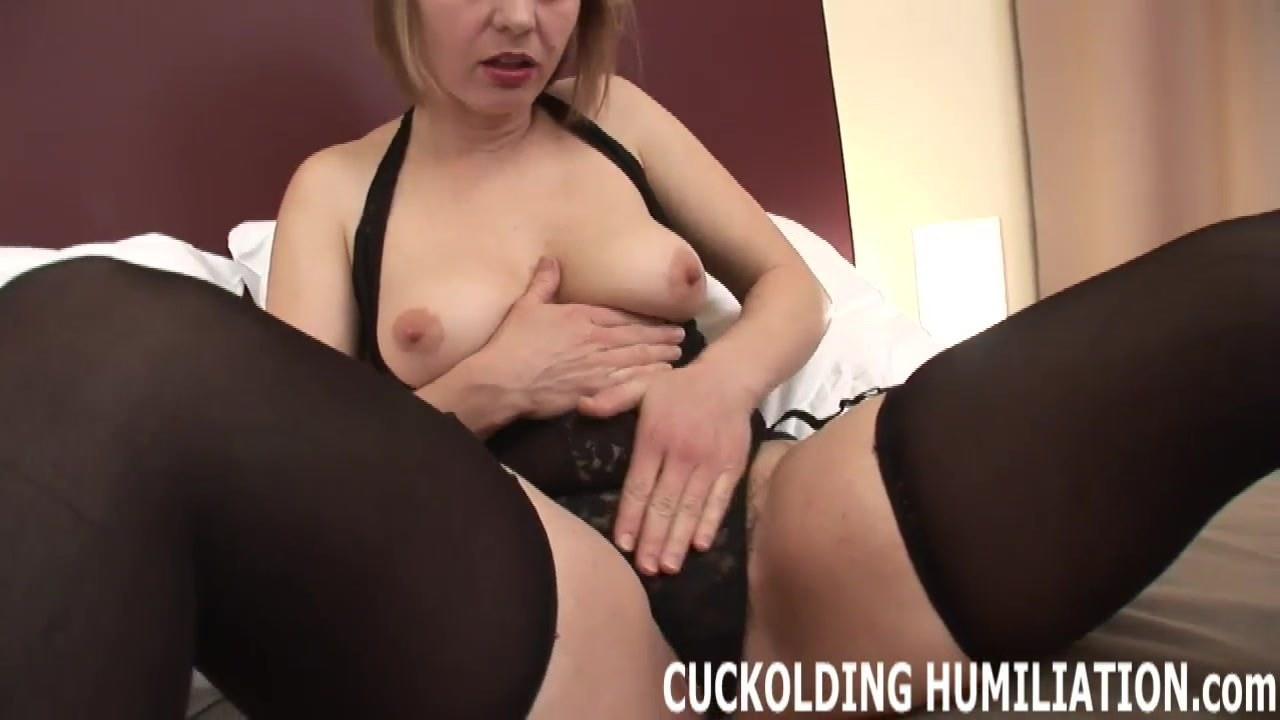 Чулки платье порно мастурбирует