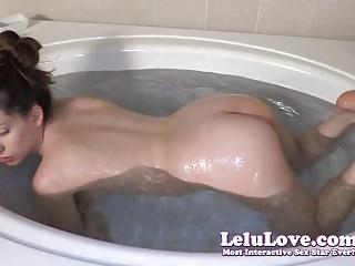 Lelu Love-Bathtub Closeups Shaving Legs And Armpits