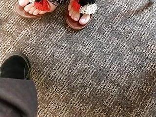Foot Fetish Brunette xxx: Jessica's latina toes