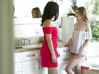 Lesbians Tits porno: Violet Starr & Kristen Scott Intense Lesbian Sex