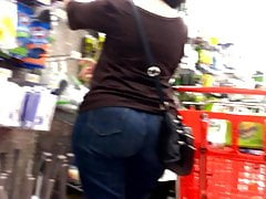 Geeky Pawg Milf Jeans Chasing