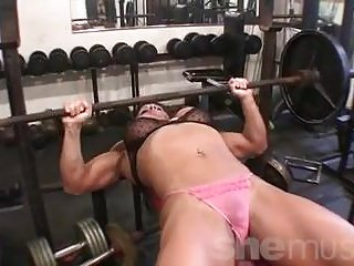 Big Boobs Softcore video: Female Bodybuilder Big Tits in the Gym