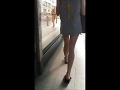 Candid Bare Teen Legs