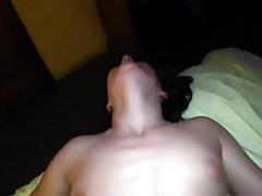 Głośna jęcząca orgazmiczna dziewczyna