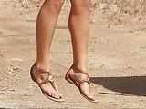 Sexy feet of hot babe Amanda Cerny