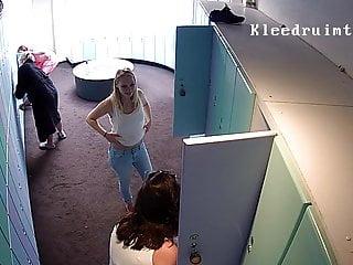 Blonde Hidden Camera 18 Year Old video: Hidden camera in the locker room 8 seper girls