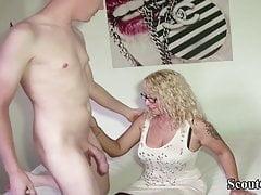 Junge Deutsche Big Dick Boy verführen Stiefmutter zum Ficken