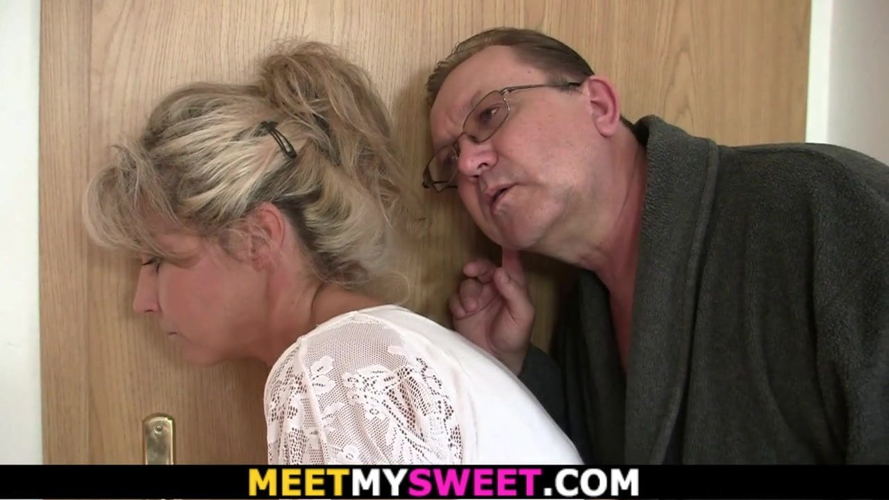 Step Dad Fucks Slutty Daughter