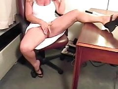 Milf with Huge Clit