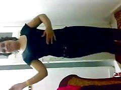egipska dziewczyna tańczy dla swojego kochanka