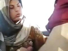 Il foulard marocchino puttana e si fa inchiodare!