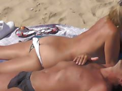 Topless Blonde Ass Rack Exhib sur la plage