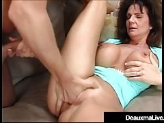 Bukmacher zbiera od Cougar Deauxma Fucking Her For Payment!