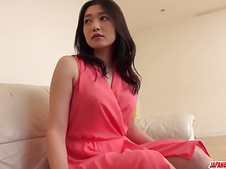 Ryu Enami与男朋友惊人的家庭色情视频