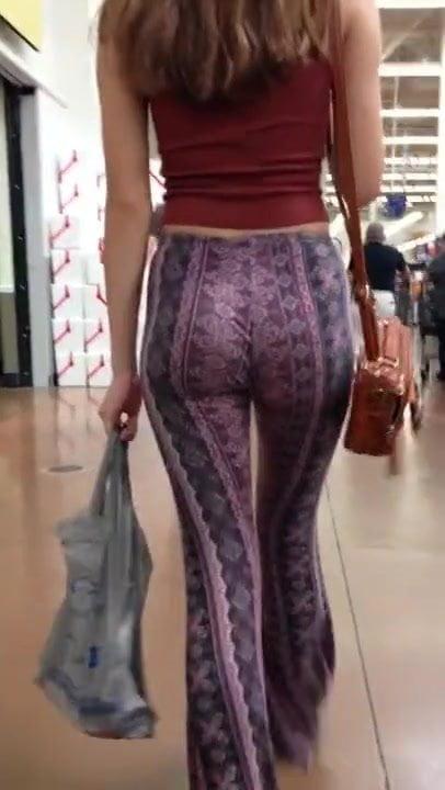 Latex Leggings Ass Tease