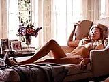 Margot Robbie looks like Stella 3